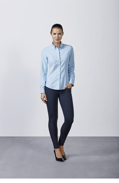 CM5068 Oxford Woman